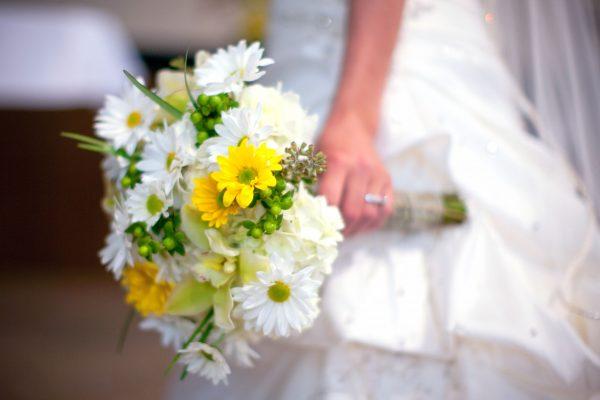 Gợi ý chọn hoa cưới cho cung Sư Tử