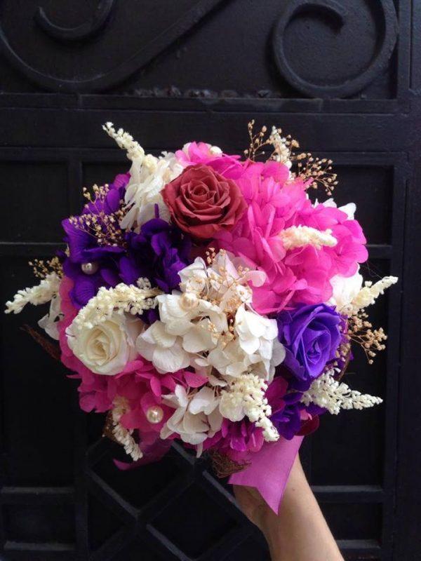 Hoa cưới hoa iris độc đáo