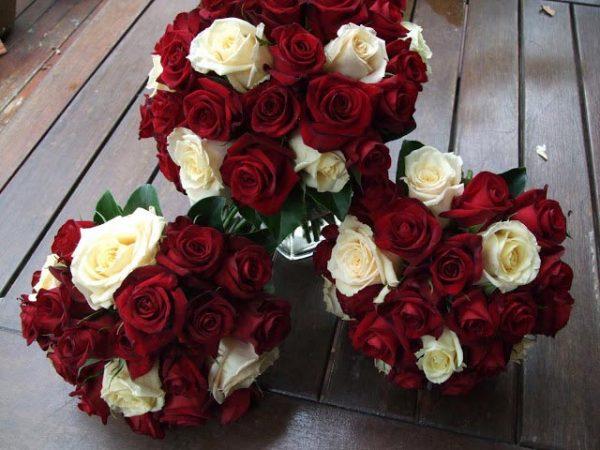Hoa cưới hoa hồng đỏ kiêu sa